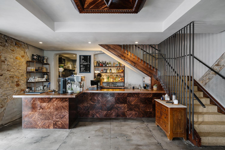 quay bar trong quan cafe