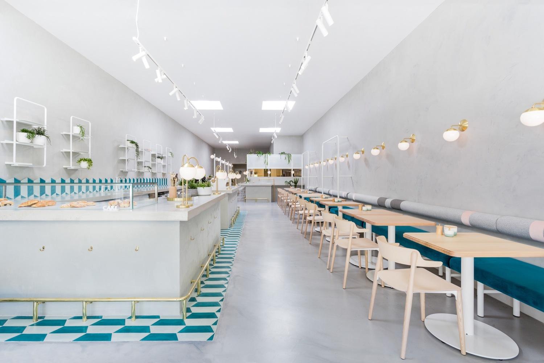 Thiết kế xây dựng tiệm đồ uống cảm hứng từ Hy Lạp