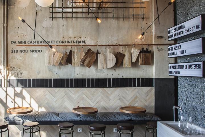 UỐNG CAFE NGẮM HOA VÀNG TRONG MẪU THIẾT KẾ QUÁN CAFE Ở PHÚ YÊN